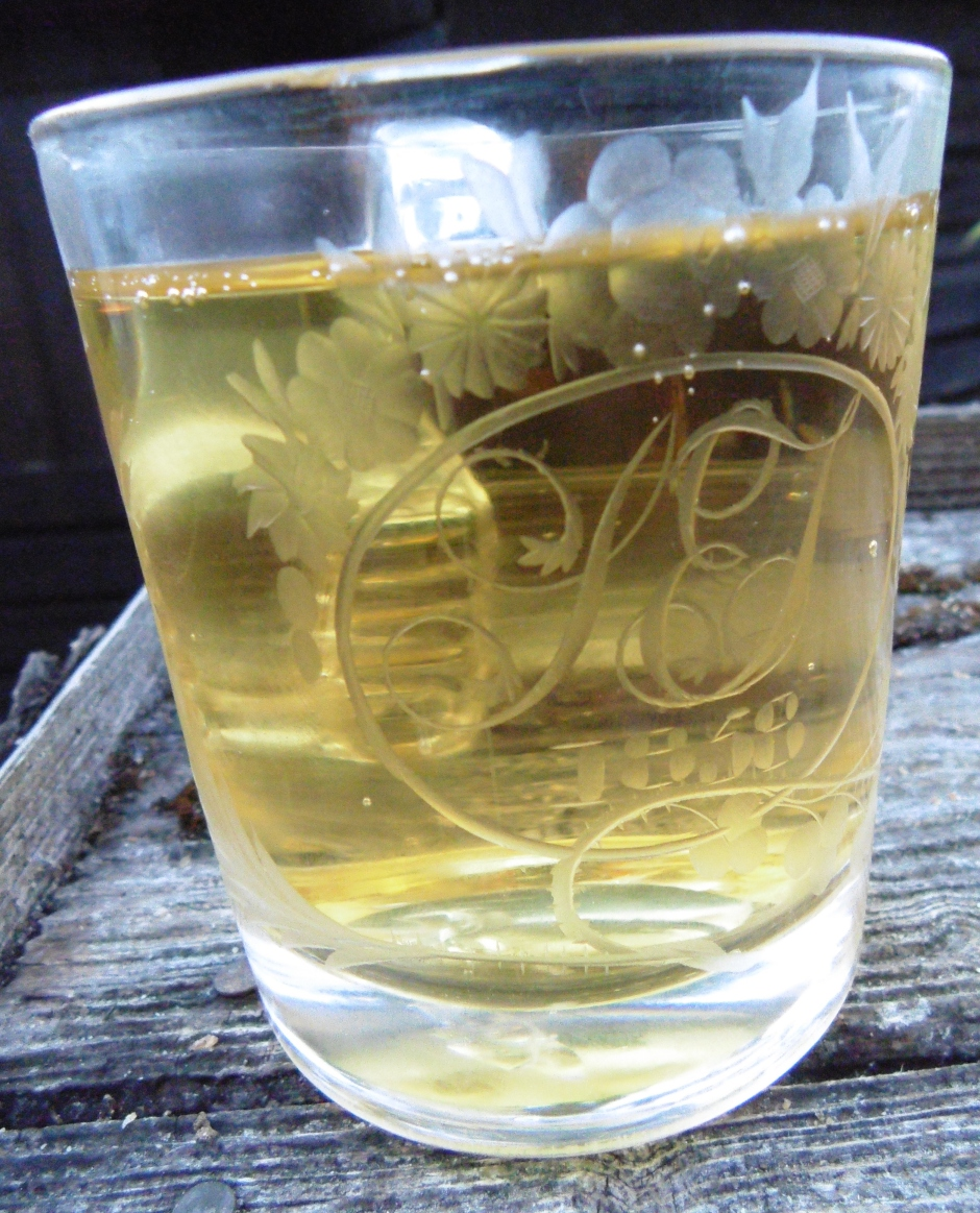 Refreshingly tasty in an old glass!